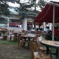 6/19/2013 tarihinde Demetziyaretçi tarafından Türkoloji Cafe & Park'de çekilen fotoğraf