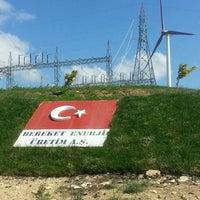 Photo taken at Bereket Enerji -Rüzgar Elektrik Santrali UŞAK by Hüsnü E. on 7/3/2015