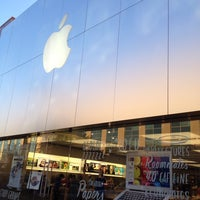 Photo taken at Apple The Domain by Holly L. on 7/28/2013