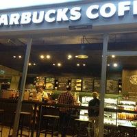 9/27/2013 tarihinde Gürcan S.ziyaretçi tarafından Starbucks'de çekilen fotoğraf