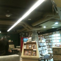 Photo taken at Salon de Comics by ZehWarnn P. on 12/3/2012