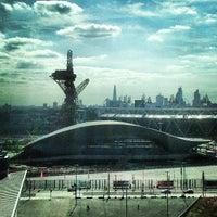 8/30/2013 tarihinde Andrew W.ziyaretçi tarafından Queen Elizabeth Olympic Park'de çekilen fotoğraf