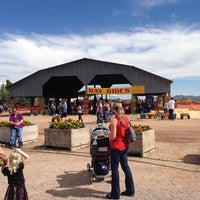 Photo taken at Apple Annie's Pumpkins And Produce by Don B. on 10/11/2014