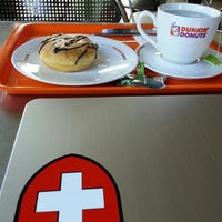 Photo taken at Dunkin' Donuts by Eduard S. on 12/12/2013