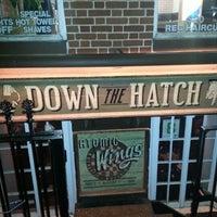 Foto tomada en Down the Hatch por Tyrone-Shawn C. el 10/17/2012