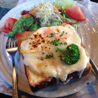 Photo taken at カフェ ケンゾーサン by Sanson on 2/21/2015
