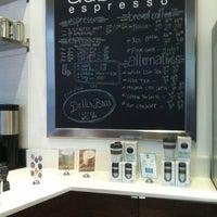 Снимок сделан в Au Breve Espresso пользователем Drew Y. 2/27/2013