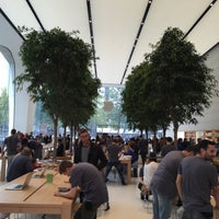 Photo taken at Apple Store by Frederic v. on 10/5/2015