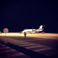 Photo taken at Aeropuerto Internacional Ixtapa-Zihuatanejo (ZIH) by Gerardo B. on 12/10/2012