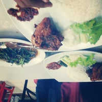 Photo taken at Ayam Lepaas by Fina D. on 7/11/2013