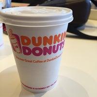 Das Foto wurde bei Dunkin' Donuts von Kiril D. am 2/7/2016 aufgenommen