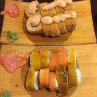 10/3/2014에 Alfonso B.님이 Oishi Sushi에서 찍은 사진