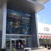 Foto tomada en Galerias Mall por Carlos M. el 7/16/2013