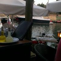 7/28/2013 tarihinde Cemziyaretçi tarafından Göksu Marine Restaurant'de çekilen fotoğraf