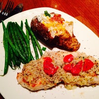 Photo taken at Outback Steakhouse by Lucas B. on 5/1/2014