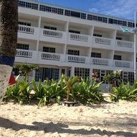Photo taken at Hotel Bahia Sardina by Ariel B. on 10/17/2012