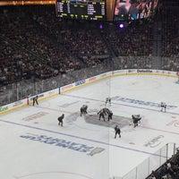 Foto tirada no(a) T-Mobile Arena por Shauna W. em 4/29/2018