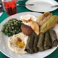 Foto tomada en Baalbek Lebanese (Arabian) Food por Silvia J. el 9/15/2018