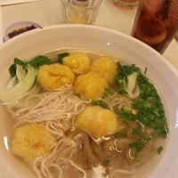 Photo taken at One Noodle 全一拉麵茶餐廳 by Wwei P. on 4/7/2014