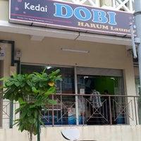 Foto diambil di Kedai Dobi Harum Laundry oleh baba pada 9/25/2012