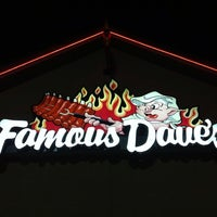 Photo taken at Famous Dave's by Praveen on 7/22/2013