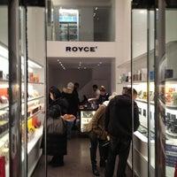 2/12/2013にNorie U.がRoyce' Chocolate Midtownで撮った写真