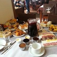 Foto tirada no(a) Coelho Café Colonial por Vinicius B. em 6/8/2014