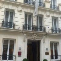 Photo taken at Hôtel Royal Magda Etoile by Gabriel F. on 3/10/2013