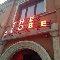 Photo taken at Globe Cafe & Bar by Silvia E. on 2/27/2014
