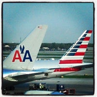 Photo taken at American Airlines Admirals Club by Warren N. on 5/8/2013