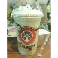 Photo taken at J.Co Donuts & Coffee by Claudia A. on 4/26/2014
