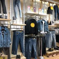 Photo taken at Pull&Bear by Beer Sarochinee C. on 3/3/2018