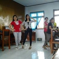 Photo taken at Fakultas Ekonomi UNIMA by Cutris P. on 11/22/2013