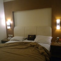 Foto tirada no(a) Coin's Hotel & Karaoke por Mariani A. em 2/27/2017