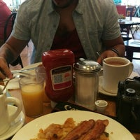 Photo taken at Station Cafe by Estephanie G. on 9/6/2015