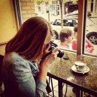 10/4/2014 tarihinde Dave M.ziyaretçi tarafından Espresso Vivace'de çekilen fotoğraf
