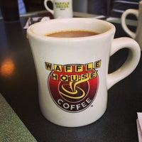 Photo taken at Waffle House by abbyjaye on 12/22/2013