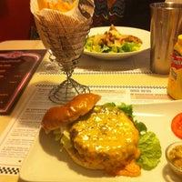 Das Foto wurde bei Jones - K's Original American Diner von Olaf B. am 11/7/2015 aufgenommen