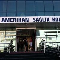 Photo taken at Amerikan Sağlık Koleji by Ozan K. on 10/1/2013