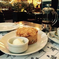 12/4/2014 tarihinde Eda B.ziyaretçi tarafından Cafe Palas Ataşehir'de çekilen fotoğraf