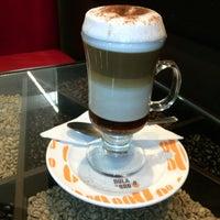 Photo taken at Café Bola de Oro by Jorge A. P. on 11/27/2014