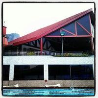 Foto tirada no(a) Clube Naval Piraquê por Luiz L. em 12/17/2012
