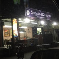 Photo taken at Restoran Singgah D'Klasik by Nur A. on 3/8/2016