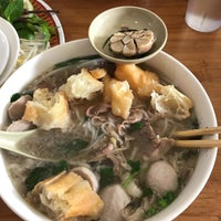 Photo taken at Pho Hong Phat by Jerald G. on 1/5/2017