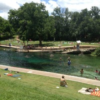 Foto tirada no(a) Barton Springs Pool por Jacob P. em 6/1/2013