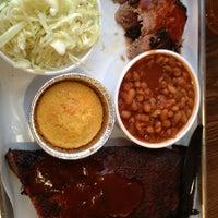 รูปภาพถ่ายที่ Smoque BBQ โดย Liliana C. เมื่อ 7/20/2013
