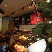 Photo taken at Starbucks by Balto W. on 12/24/2012