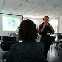 9/23/2013 tarihinde Catalina R.ziyaretçi tarafından Centro de Rehabilitación para Adultos Ciegos-CRAC'de çekilen fotoğraf