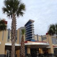 Foto tirada no(a) Citadel Mall IMAX Stadium 16 por John M. em 12/16/2012