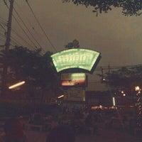 Photo taken at รสเด็ด หมูกะทะ by Thaksina N. on 3/9/2013